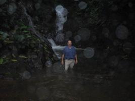 k1-Waterfall_SpotsOnLense.JPG (59124 bytes)