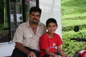 b02-Juan&Juandra.JPG (105694 bytes)